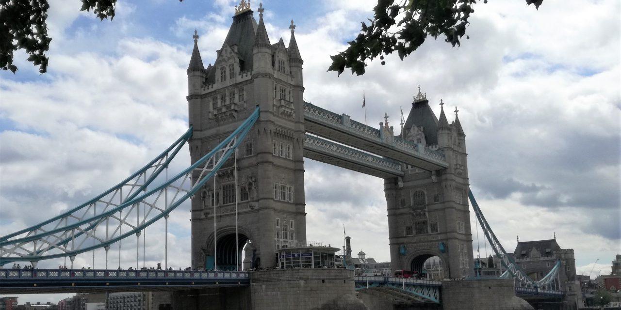 https://vard.si/wp-content/uploads/2019/09/VARD_EVROPA_ANGLIJA_LONDON-TOWER-BRIDGE-1280x640.jpg